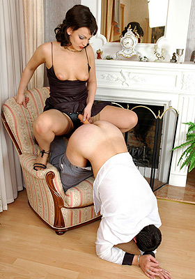 Male slave fucked with strapon