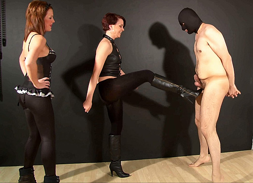 Ballbusting In Leggings